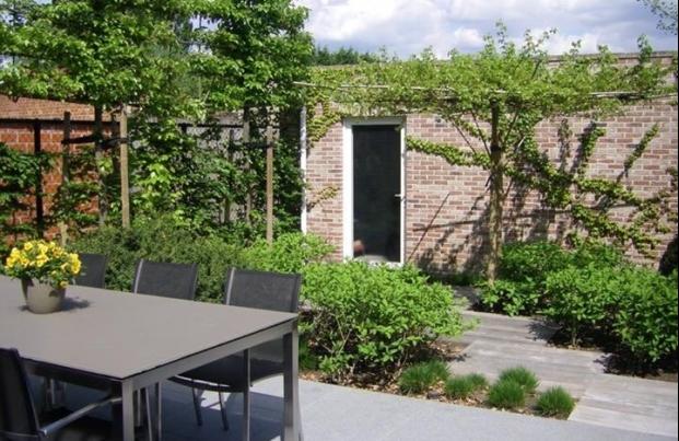 Diensten aanleg van kleine tuinen en binnentuinen for Aanleg kleine tuin
